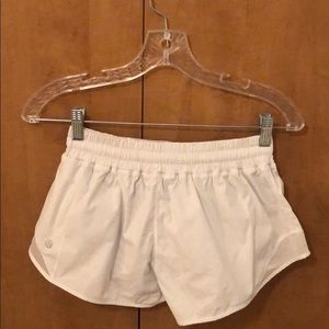 Lulu Lemon Hotty Hot Short 2.5